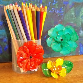 Grafix Clear Craft Plastic – Mouldable 3D Flowers